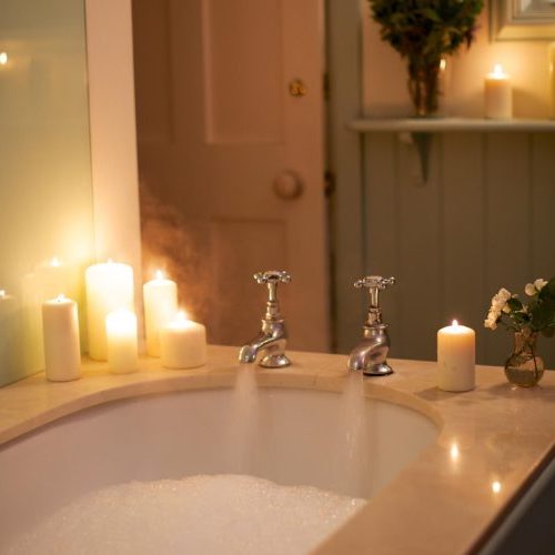 Aromatherapy-Oil-bath liz earle wellbeing