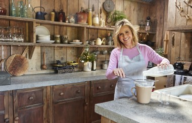 Liz Earle makingg kefir - Liz Earle Wellbeing magazine