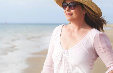 itchy skin menopause symptom liz earle wellbeing