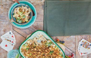 Cheesy broccoli pasta bake - Liz Earle Wellbeing