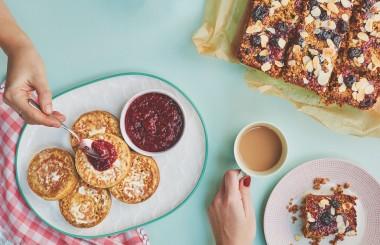 Crumpet recipe with jam