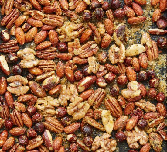 """""""Cheesy"""" nut trail mix recipe"""