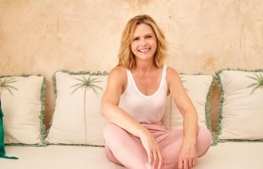 Liz in pink trousers