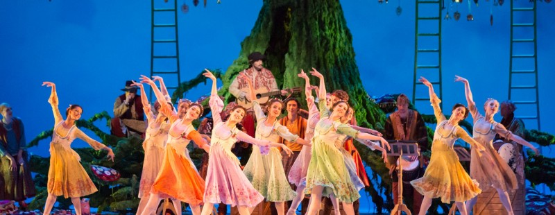 Dancers of The Royal Ballet in Act II of The Winter's Tale © ROHJohan Persson, 2014