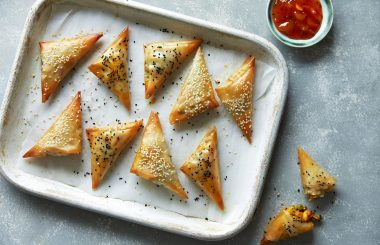 Samosa recipe with pea and paneer
